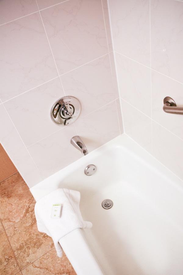 See Our Hotel Bathroom Refinishing Work Safe Step - Bathtub caulking service