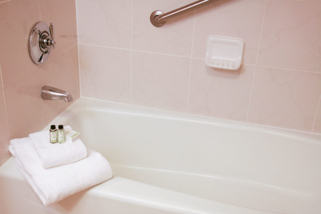 Indsutry Leading Hotel Bathtub Refinishing Services | Safe Step