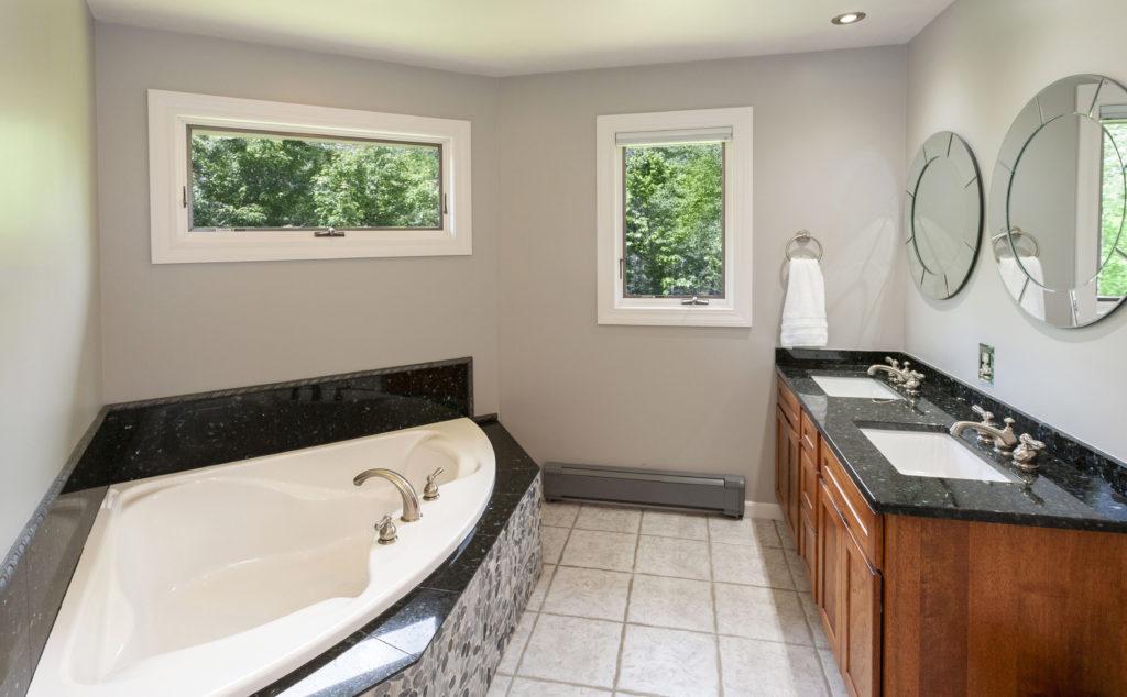 commercial-bath-refinishing-02
